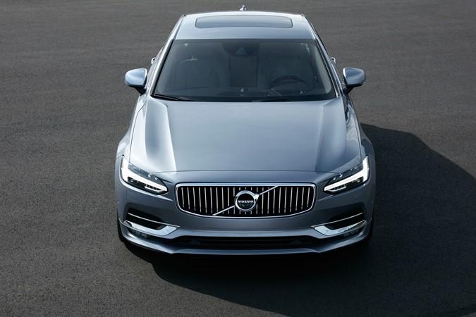 Nya Volvo S90 – skandinaviskt in i själen?