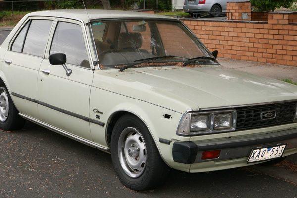 I backspegeln: Toyota Corona