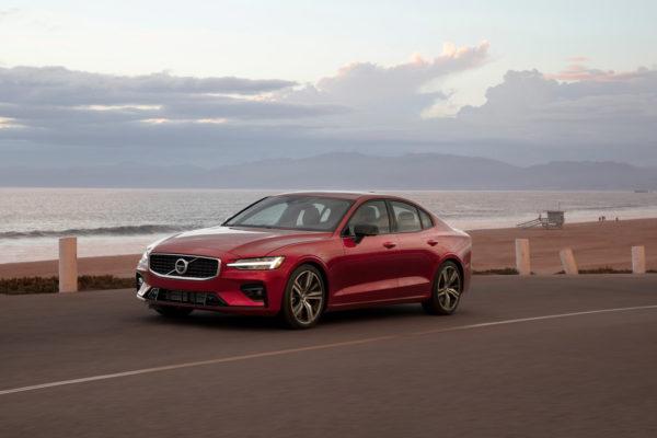 Toppfartsspärr i nya Volvobilar – 180 km/h blir max
